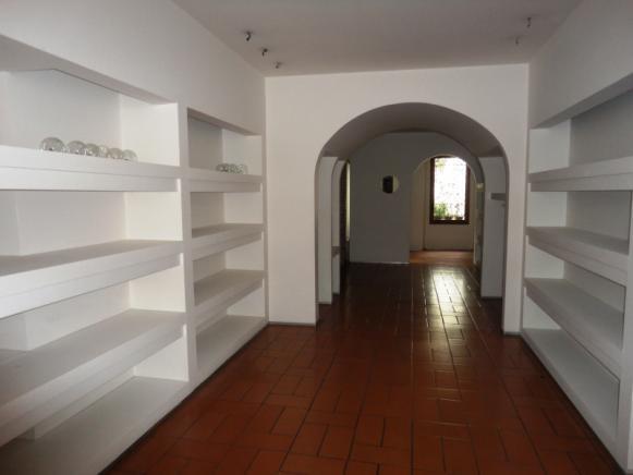 Pesaro - zona centro storico - negozio in affitto