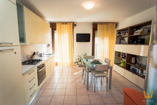 Pesaro - zona villa fastiggi - appartamento in vendita