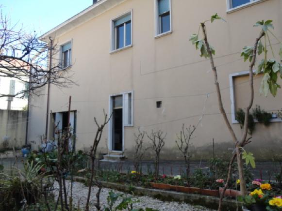 Pesaro - zona centro - appartamento in affitto
