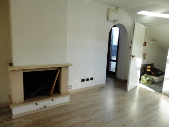 Pesaro - zona baia flaminia - appartamento in vendita