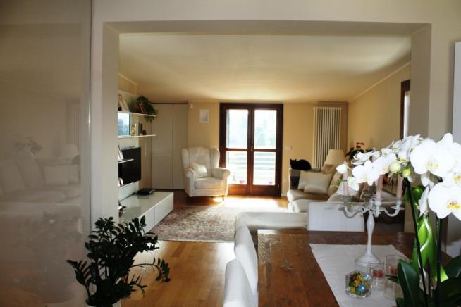 Pesaro - zona montegranaro - attico in vendita