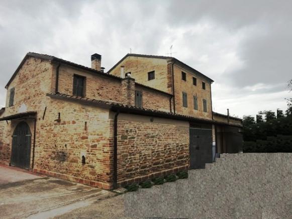 Pesaro - zona villa fastiggi - rustico-casolare-cascina in vendita