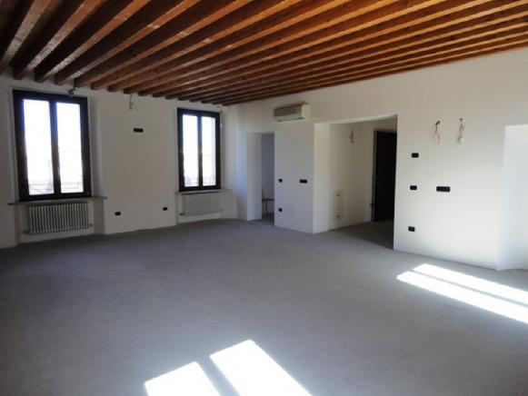 Pesaro - zona centro storico - attico in vendita